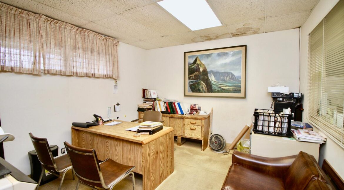 451022-Kamehameha-Hwy-large-030-034-Offices-Upstairs-1500x1000-72dpi